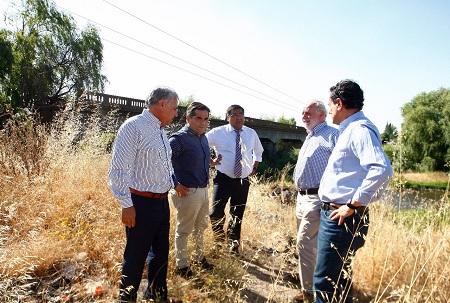 De ser un sueño se convirtió en un proyecto que ya está recomendado. Alcalde Javier muñoz, Diputado Celso Morales, SEREMI de Transporte Carlos Palacios y concejales Undurraga, Canales y Ahumada, aúnan esfuerzos por conseguir recursos.